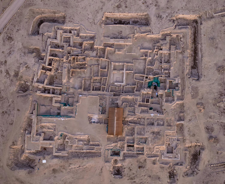 La forteresse de Faïlaka, vue aérienne (en cours de rebouchage après la campagne 2016. Le nord est à gauche. Photo H. Al Mutairi © DAMK.